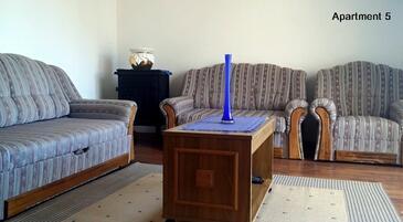 Lopar, Obývacia izba v ubytovacej jednotke apartment, WiFi.