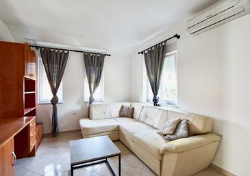 Sveti Filip i Jakov, Living room in the apartment, WiFi.
