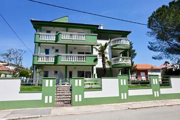 Sveti Filip i Jakov, Biograd, Property 14817 - Apartments near sea with pebble beach.