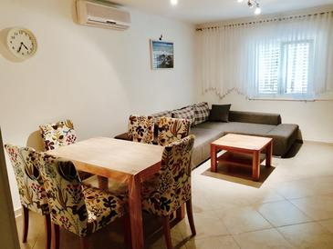 Postira, Living room in the apartment, air condition available and WiFi.