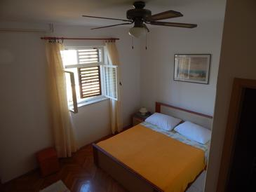 Stari Grad, Bedroom in the room, (pet friendly) and WiFi.