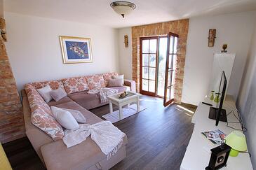 Zadar - Diklo, Obývací pokoj v ubytování typu house, s klimatizací a WiFi.