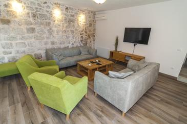 Močići, Dnevna soba 1 v nastanitvi vrste house, dostopna klima, Hišni ljubljenčki dovoljeni in WiFi.