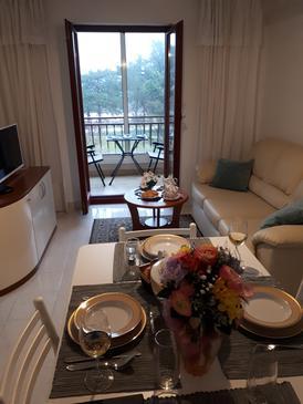 Rabac, Obývacia izba v ubytovacej jednotke apartment, dostupna klima i WIFI.
