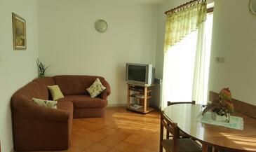 Mihotići, Гостиная в размещении типа apartment, Домашние животные допускаются и WiFi.