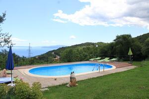 Apartmány s bazénom pre rodiny Veprinac (Opatija) - 14916