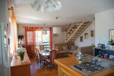 Daruvar, Living room in the house, air condition available, (pet friendly) and WiFi.