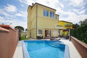 Family friendly apartments with a swimming pool Pula - 14924