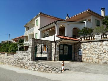 Smokvica Krmpotska, Novi Vinodolski, Property 14995 - Apartments with pebble beach.