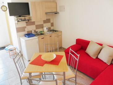 Veli Rat, Dnevni boravak u smještaju tipa apartment, dostupna klima, kućni ljubimci dozvoljeni i WiFi.