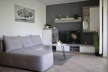 Punat, Living room in the apartment, air condition available, (pet friendly) and WiFi.