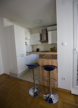 Zagreb, Dining room in the studio-apartment, WIFI.