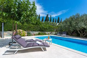 Rodinné apartmány s bazénem Podstrana (Split) - 15040