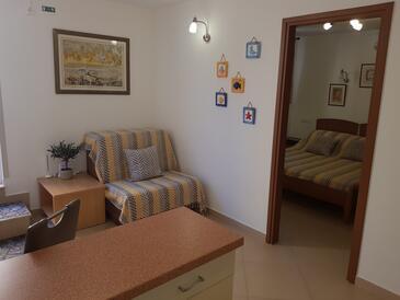 Krasica, Obývací pokoj v ubytování typu studio-apartment, WiFi.