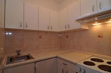 Baška Voda, Kitchen in the apartment, WiFi.