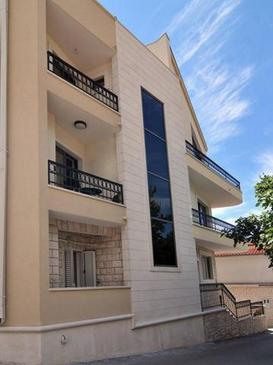 Baška Voda, Makarska, Property 15070 - Apartments with pebble beach.