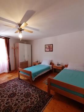 Plomin Luka, Dormitorio in the room, (pet friendly) y WiFi.