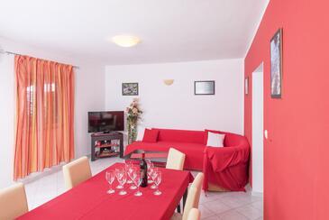 Pribinja, Obývací pokoj 1 v ubytování typu apartment, s klimatizací a WiFi.