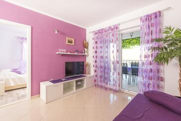 Pribinja, Obývací pokoj v ubytování typu apartment, s klimatizací a WiFi.