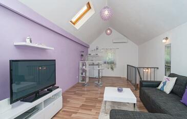 Škrip, Pokój dzienny w zakwaterowaniu typu house, Dostępna klimatyzacja i WiFi.