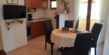 Roč, Jídelna v ubytování typu apartment, domácí mazlíčci povoleni a WiFi.