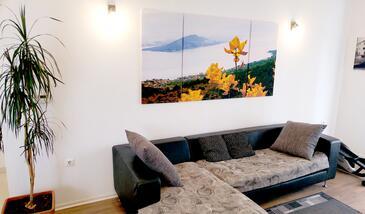 Slatine, Гостиная 1 в размещении типа house, доступный кондиционер и WiFi.