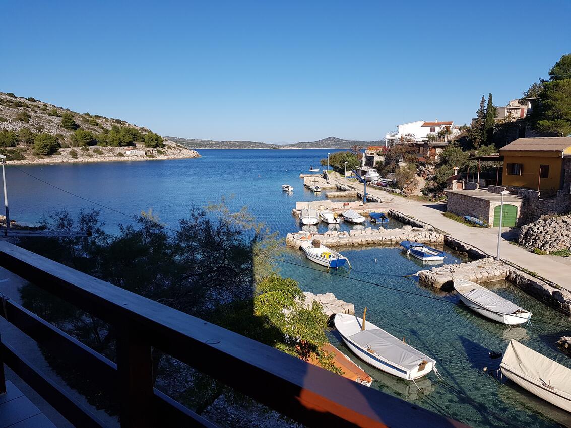 Appartement de vacances im Ort Koromaana (}irje), Kapazität 2+2 (2411707), Zirje, Île de Zirje, Dalmatie, Croatie, image 1