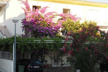 Makarska, Makarska, Property 15173 - Apartments with pebble beach.