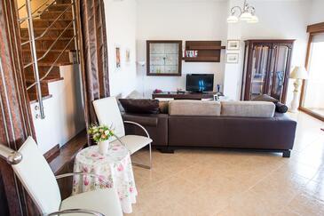 Rogoznica, Гостиная 1 в размещении типа house, доступный кондиционер и WiFi.