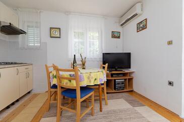 Pisak, Jadalnia w zakwaterowaniu typu apartment, Dostępna klimatyzacja i WiFi.