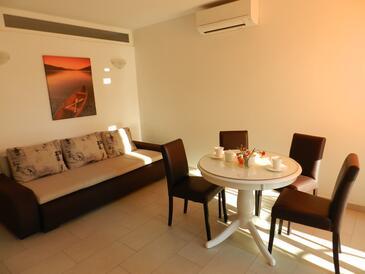 Baška Voda, Dnevna soba v nastanitvi vrste apartment, dostopna klima in WiFi.