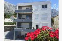 Apartments with a parking space Baška Voda (Makarska) - 15214