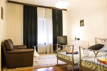 Zagreb, Obývací pokoj v ubytování typu room, WiFi.