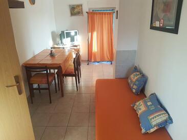 Valbandon, Jídelna v ubytování typu apartment, WiFi.