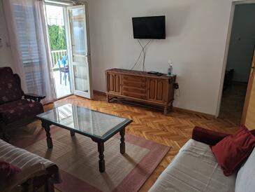 Selce, Obývací pokoj v ubytování typu apartment, dostupna klima i WIFI.