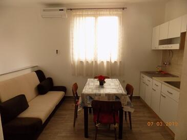Selce, Jedilnica v nastanitvi vrste apartment, dostopna klima in WiFi.