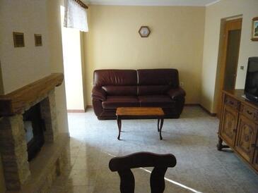 Rakalj, Obývací pokoj v ubytování typu apartment, WiFi.