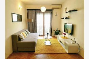 Apartments with WiFi Makarska - 15307