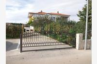 Apartments and rooms with parking space Nin (Zadar) - 15308