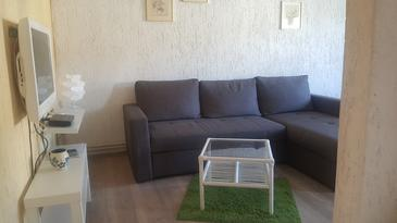 Kampor, Living room 1 in the apartment, air condition available and WiFi.