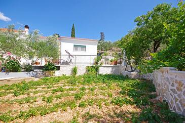 Trogir, Trogir, Objekt 15319 - Kuća za odmor sa šljunčanom plažom.