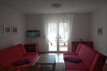 Pirovac, Obývací pokoj v ubytování typu apartment, s klimatizací a WiFi.