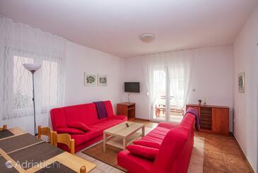 Pirovac, Wohnzimmer in folgender Unterkunftsart apartment, Klimaanlage vorhanden und WiFi.