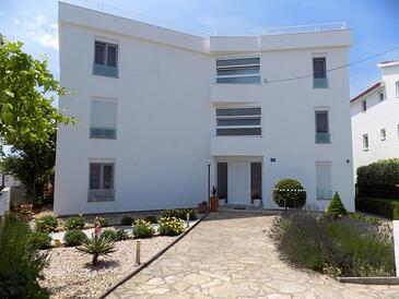 Pirovac, Šibenik, Propiedad 15320 - Apartamentos with pebble beach.