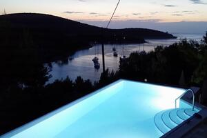 Seaside house with a swimming pool Cove Pribinja (Hvar) - 15324