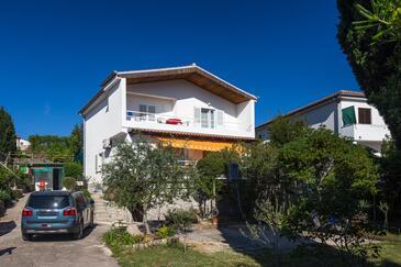 Krk, Krk, Hébergement 15331 - Appartement avec une plage de galets.