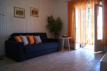 Jelsa, Living room in the apartment, (pet friendly) and WiFi.