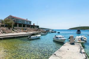 Apartments by the sea Rukavac (Vis) - 15352