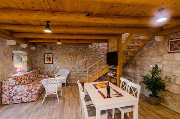 Mihanići, Obývací pokoj v ubytování typu house, s klimatizací a WiFi.