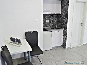 Podstrana, Ebédlő szállásegység típusa studio-apartment, WiFi .